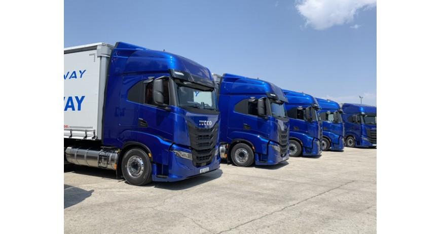 Las matriculaciones de camiones y furgonetas caen en octubre
